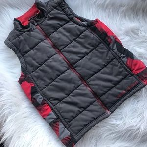 Under Armour Boys Gray Red Black Quilted Vest Coat